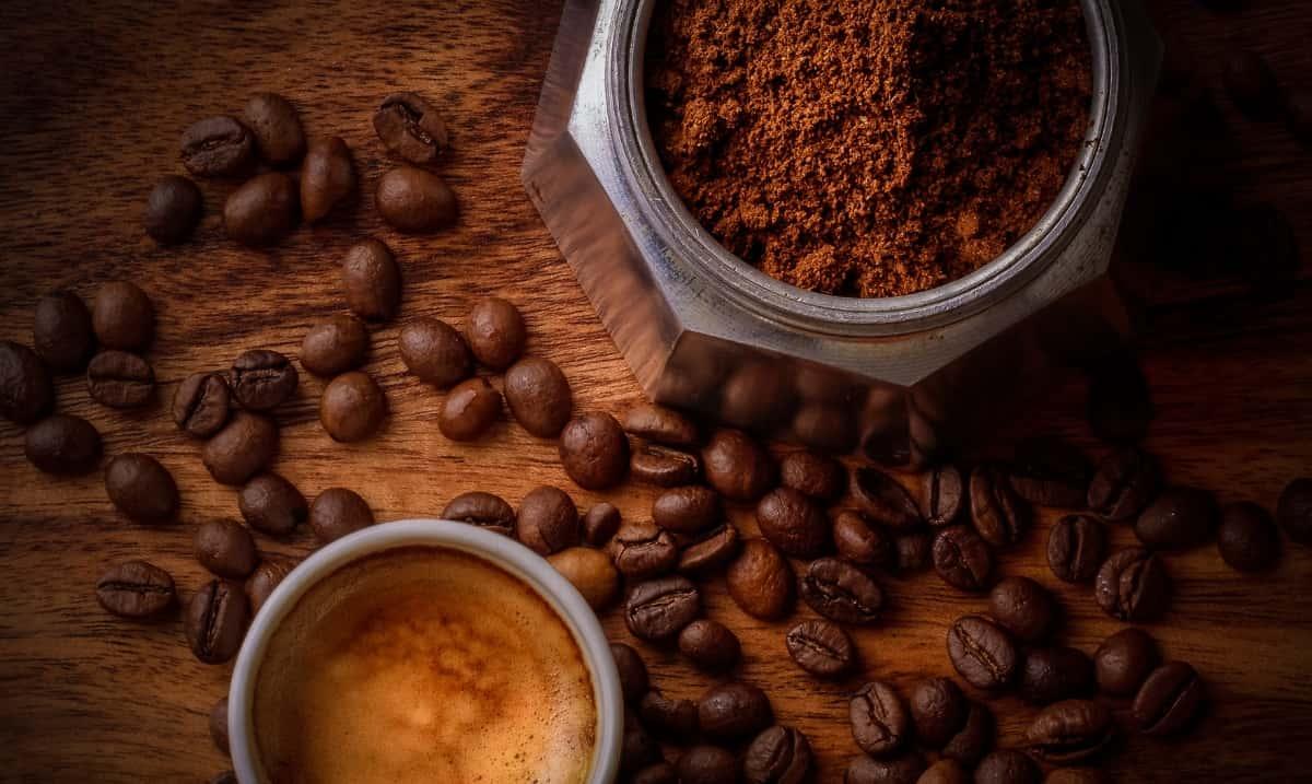 Caffè macinato nella moka