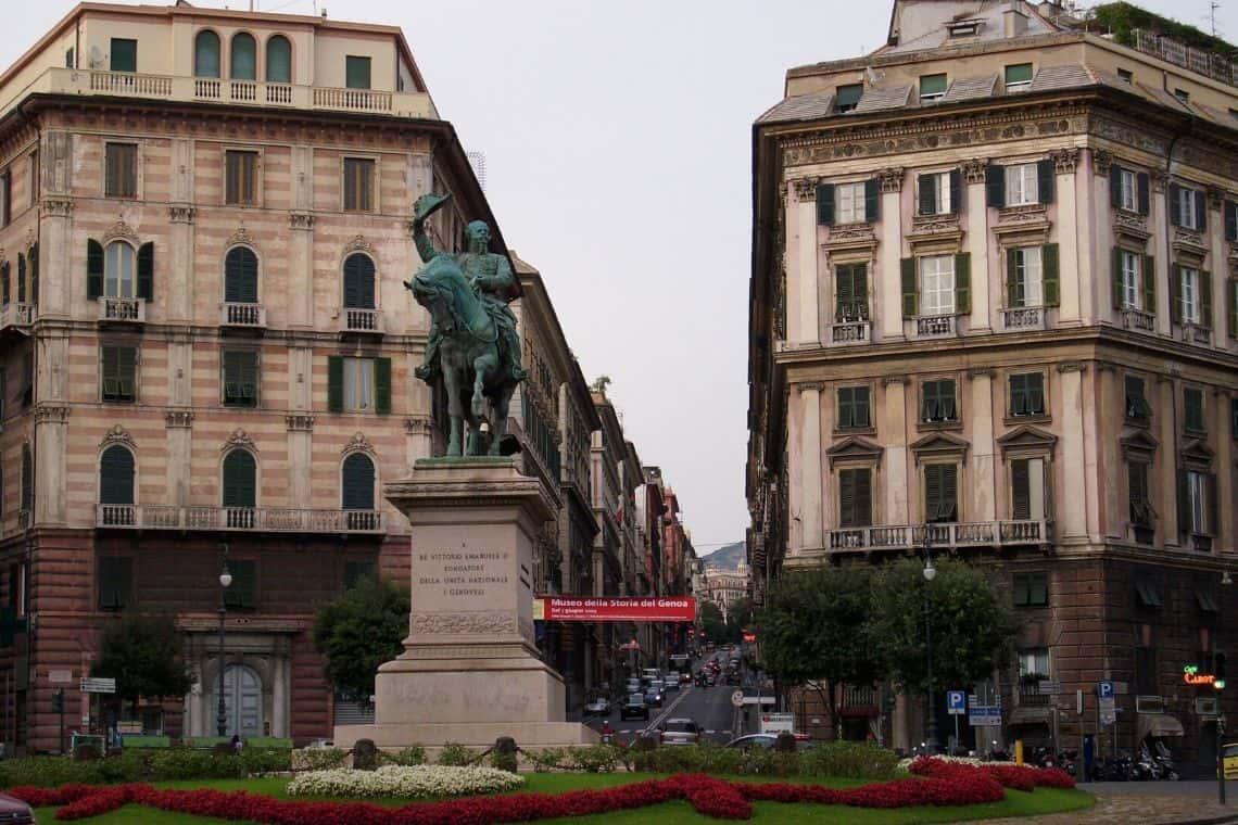 Caffetteria storica in Piazza Corvetto a Genova