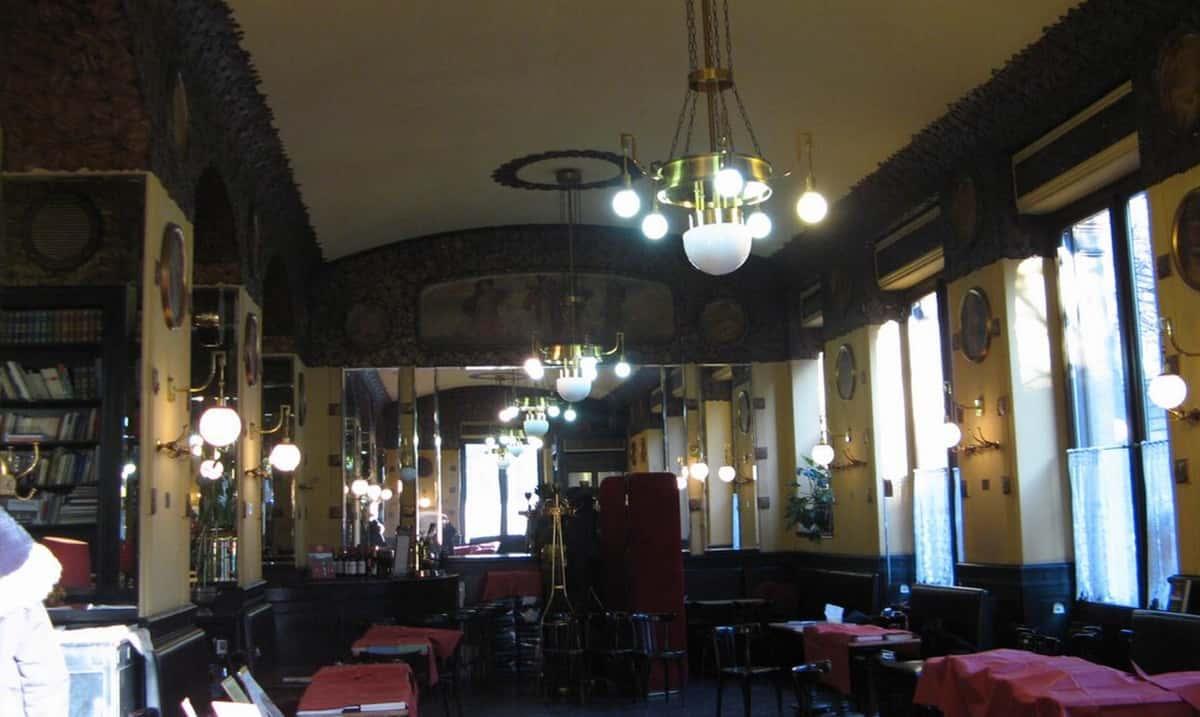 sala interna dello storico Caffè San Marco a Trieste