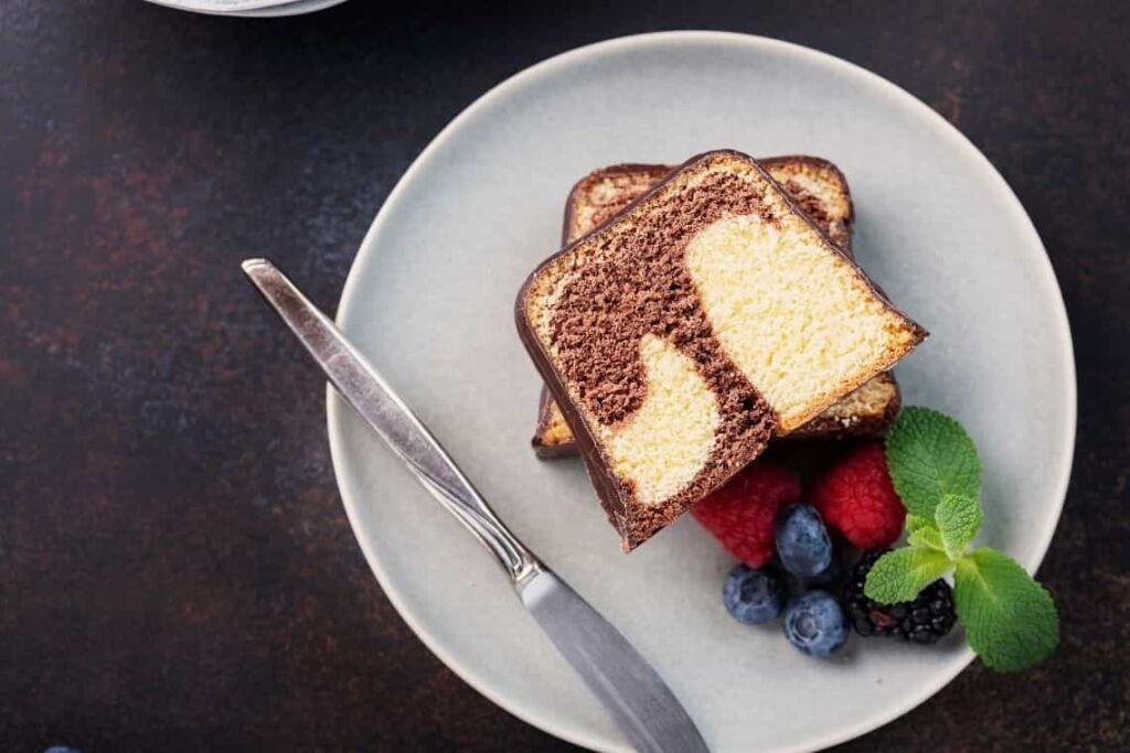 fetta di plumcake bicolore