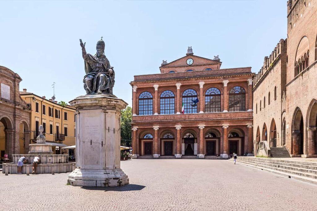piazza storica di Rimini